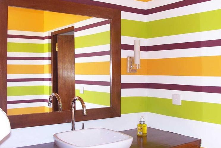 Какой краской можно покрасить стены в ванной своими руками 36